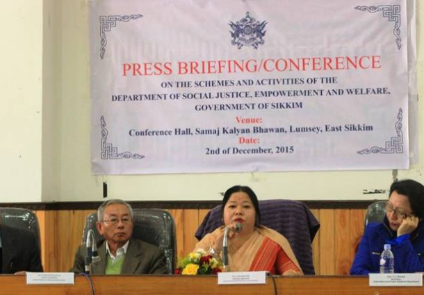 Department conducts press briefing